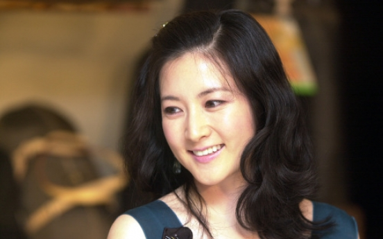 S. Korean actress Lee Young-ae gives birth to twins