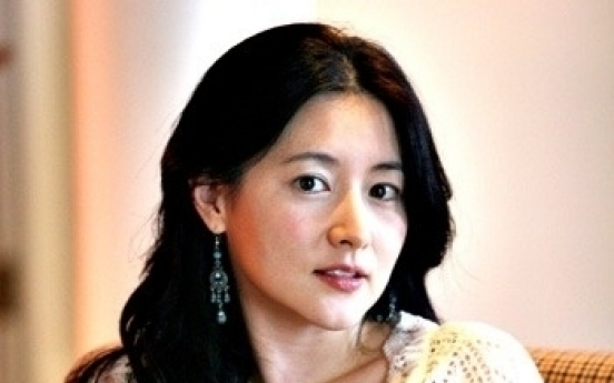 Actress Lee Young-ae gives birth to twins