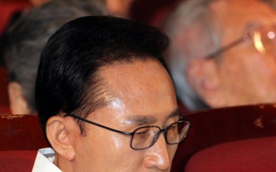 Lee says S. Korea wants 'open-minded' talks with N. Korea