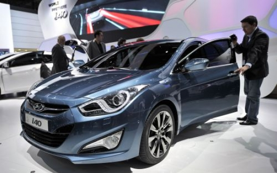 Hyundai pushes into premium market