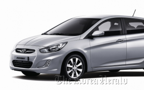 Hyundai adds hatchback and diesel Accents