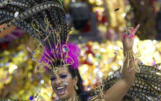 Rio's roving street bands keep Carnival free, fun
