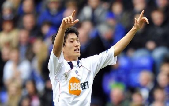 Lee sends Bolton into FA Cup semis