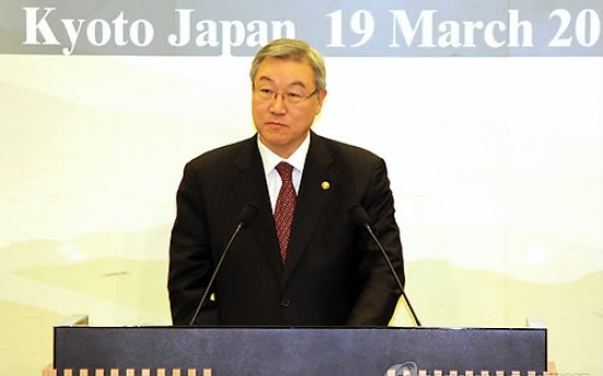 Japan promises to keep S. Korea up to date on nuclear accident situation