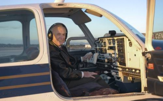 Vietnam War pilots finally meet, 43 years after one saved the other