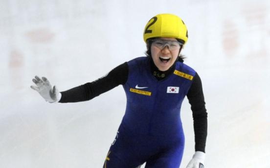 Korea sweeps titles at world short track