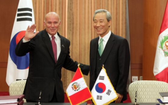 South Korea, Peru sign free trade agreement
