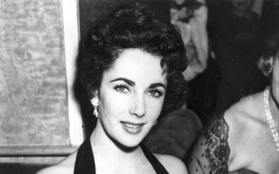Film legend Elizabeth Taylor dies at 79