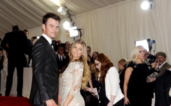 Hollywood, fashion elite recall McQueen at NY gala