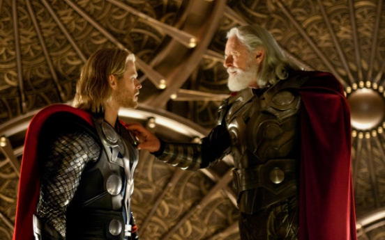 Actor Hemsworth, almost outgrew his costume playing title character in 'Thor'