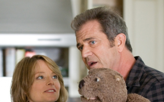 'Beaver' director Jodie Foster's loyalty to Mel Gibson intact