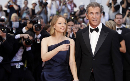 Foster thinks Cannes film can be 'therapeutic' for Gibson