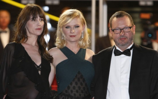 Film-maker Lars von Trier 'accepts' Cannes ban