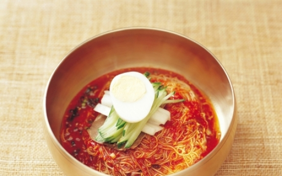 [Korean Kitchen] Bibim-naengmyeon (Mixed cold buckwheat noodles)