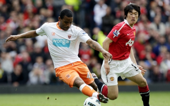 Blackpool relegated after 4-2 loss at Man United