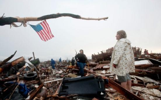 Rescuers seek survivors of U.S. tornado