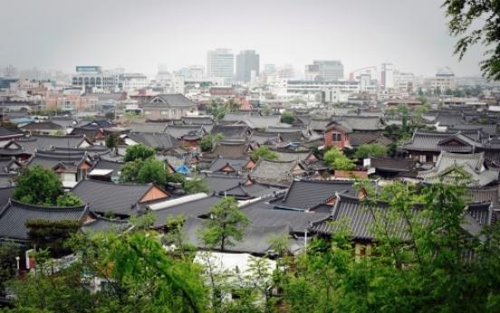 Traditional beauty flows in Jeonju Hanok Village