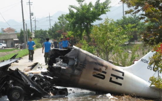 Training plane crash kills two pilots
