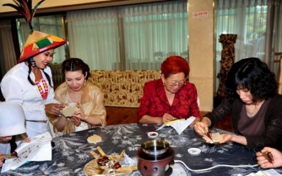 Seoul-idifying the art of batik diplomacy