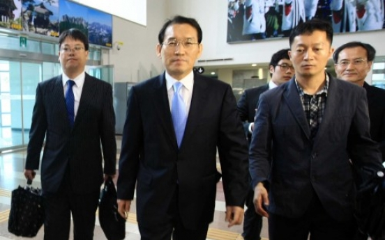 Two Koreas hold talks as N.K. ups threats 'No progress made over joint tours'