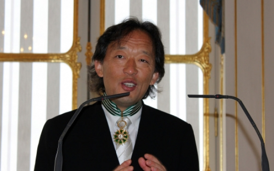 Chung makes a sweep of French cultural honors