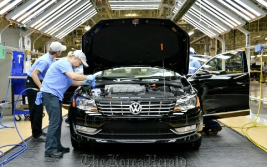 Auto industry on hiring spree in U.S.
