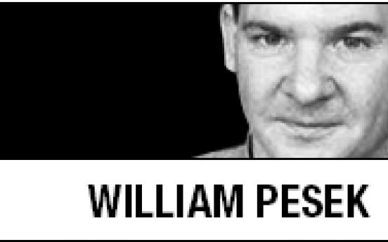 [William Pesek] Billionaire's return may put riot police to work