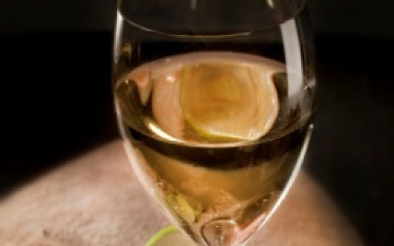 Consumer demand for white wine soars in H1