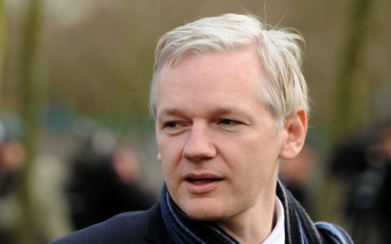 Julian Assange back in court to fight extradition