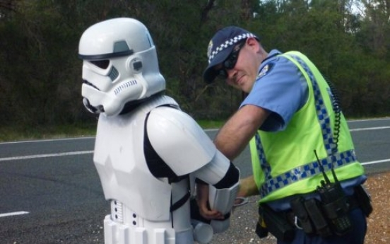 Star Wars trooper walks across Australia for charity