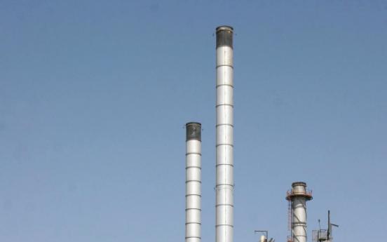 Iran warns it may halt crude supplies to India