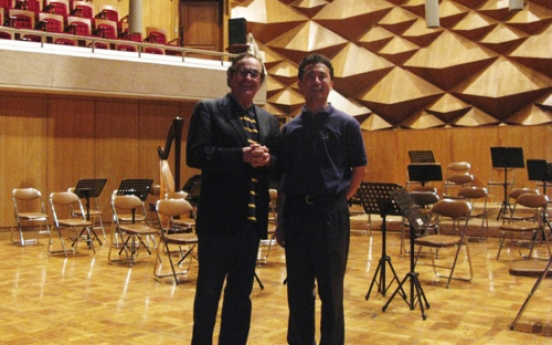 Philadelphia conductor eyes inter-Korean youth orchestra