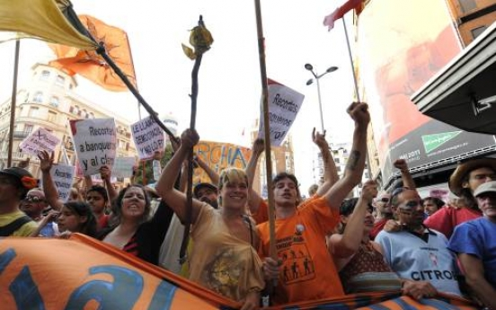 Protest marches converge on Spain's capital
