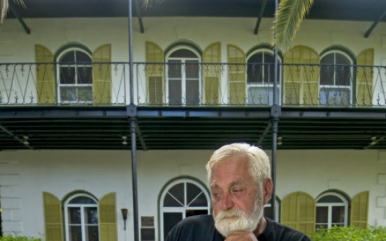 Florida man wins Hemingway look-alike contest