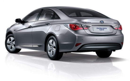 Demand for hybrid sedans rising