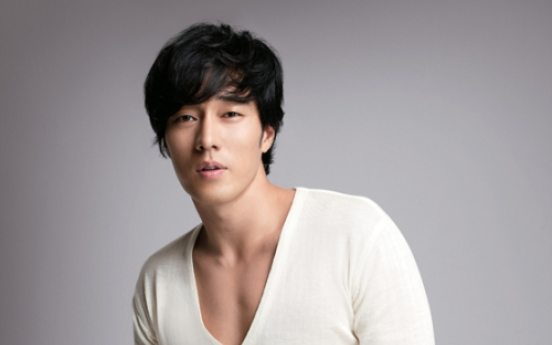 So Ji-sub to become first male Vivien model