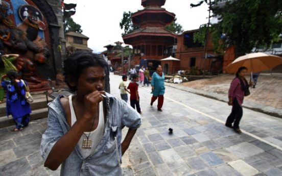 Nepal bans smoking in public