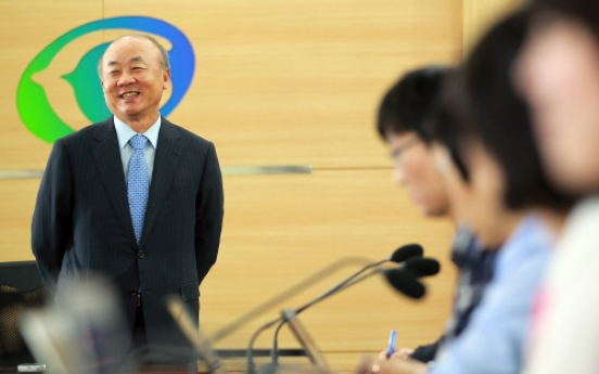 Yu seen sending message of reconciliation to N.K.