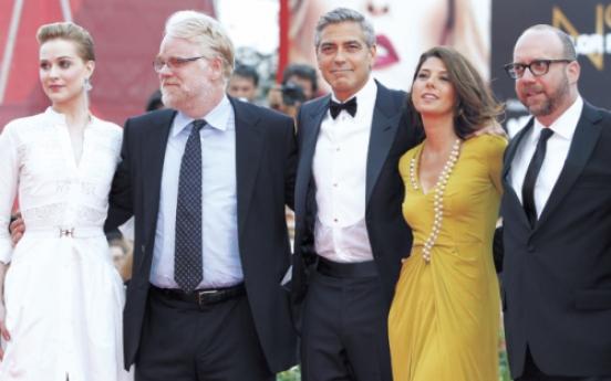 Clooney sees 'cynicism' in U.S. politics as Venice fest kicks off