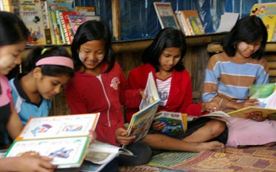 Books build dreams for Burmese refugees