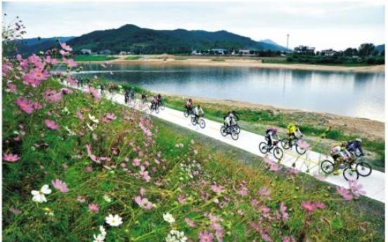 Korea links bike paths along four major rivers