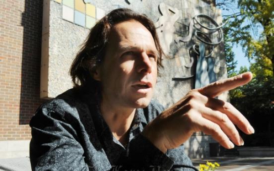 Czech pop star rocks 'Hamlet'