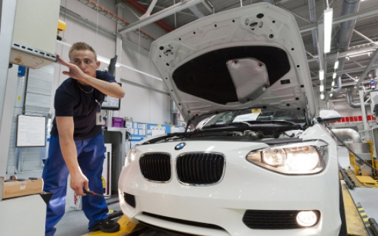 BMW quarterly profit beats estimates on demand for X3 SUV