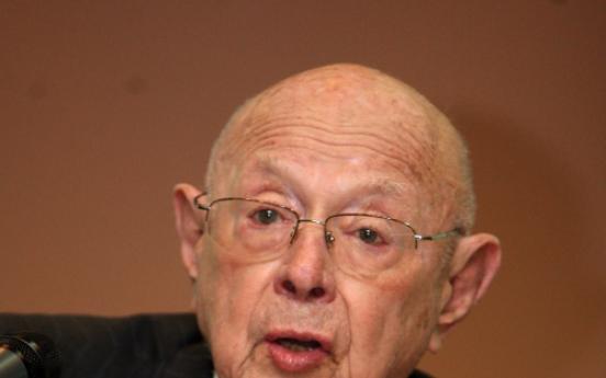 E. Asia scholar Scalapino dies