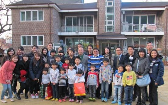 Singaporeans give to Korean orphans