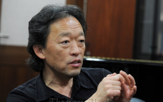 Seoul City renews contract with maestro Chung