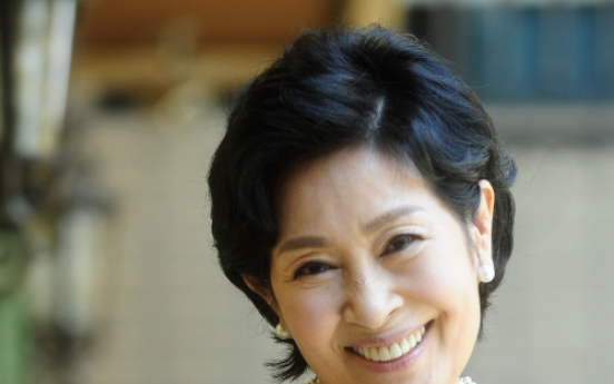 Kim gets first award by Shin YK foundation