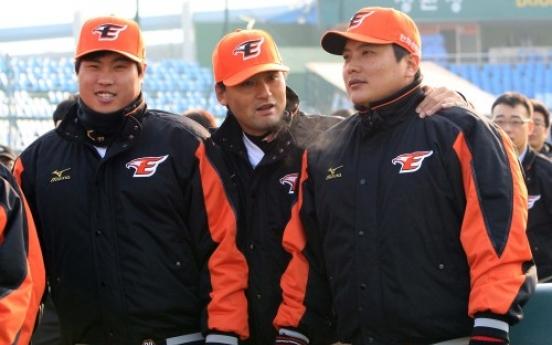 Ex-major leaguer Park Chan-ho comes home