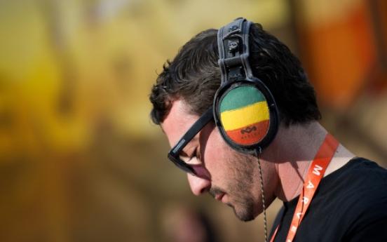 Toll from pedestrians wearing headphones triples