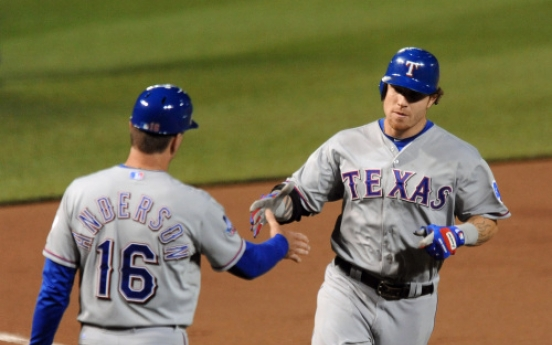 Hamilton hits 4 two-run HRs as Rangers bury O's